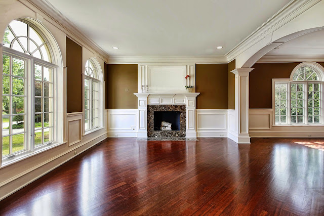 architectural mill, wainscot, crown - dreamstimemaximum_13320865%2B%25281%2529.jpg