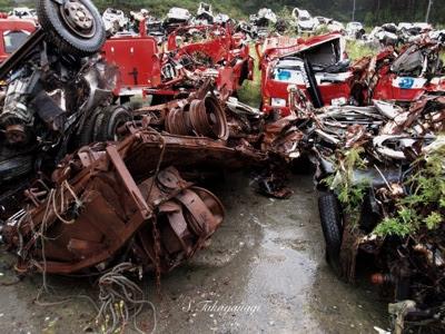 2012年9月 南三陸町 破壊された数多くの消防自動車