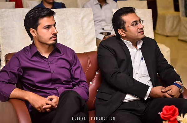 Blogger Mohammad Mustafa Ahmedzai with Shahzad Khan of ARY NEWS
