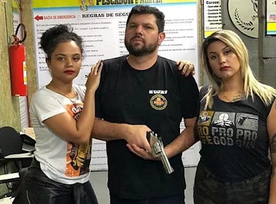 PF faz buscas em casa de blogueiro bolsonarista Oswaldo Eustáquio
