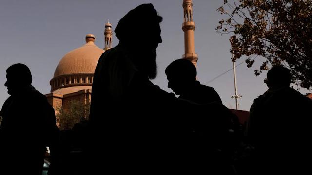 Atentado en una mezquita de Afganistán: al menos 50 muertos y 140 heridos