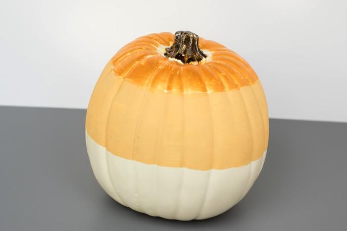 Shimmer on a pumpkin