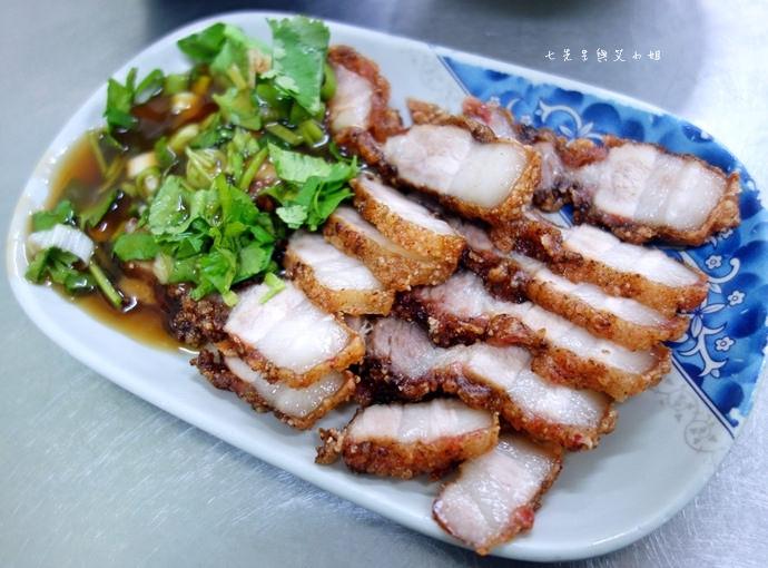 22 嘉義文化路夜市必吃 阿娥豆花、方櫃仔滷味、霞火雞肉飯、銀行前古早味烤魷魚