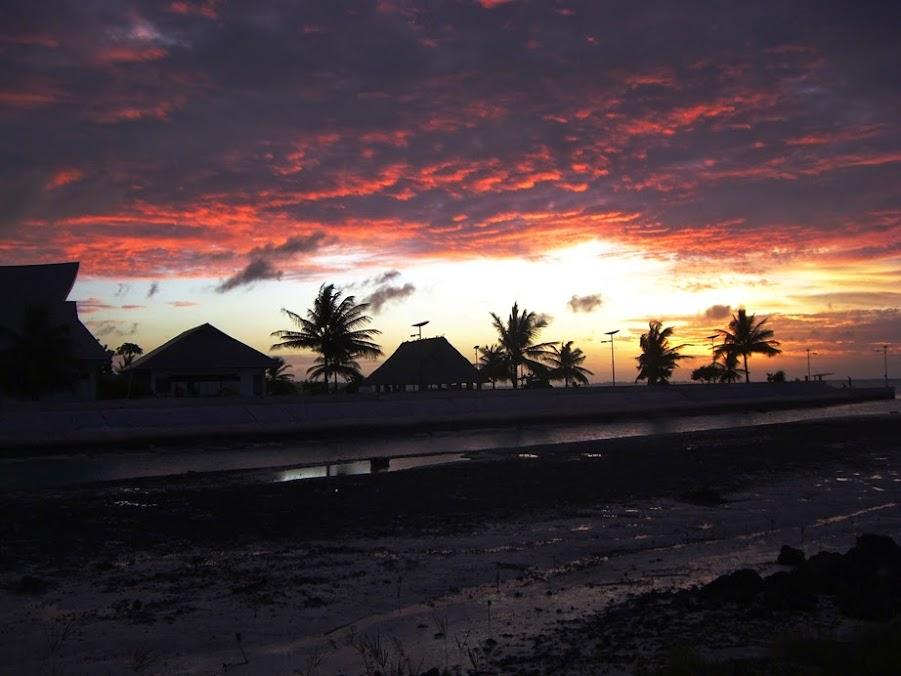 Bienvenidos al nuevo foro de apoyo a Noe #238 / 24.03.15 ~ 27.03.15 - Página 2 Kiribati%2BSunset%2B09