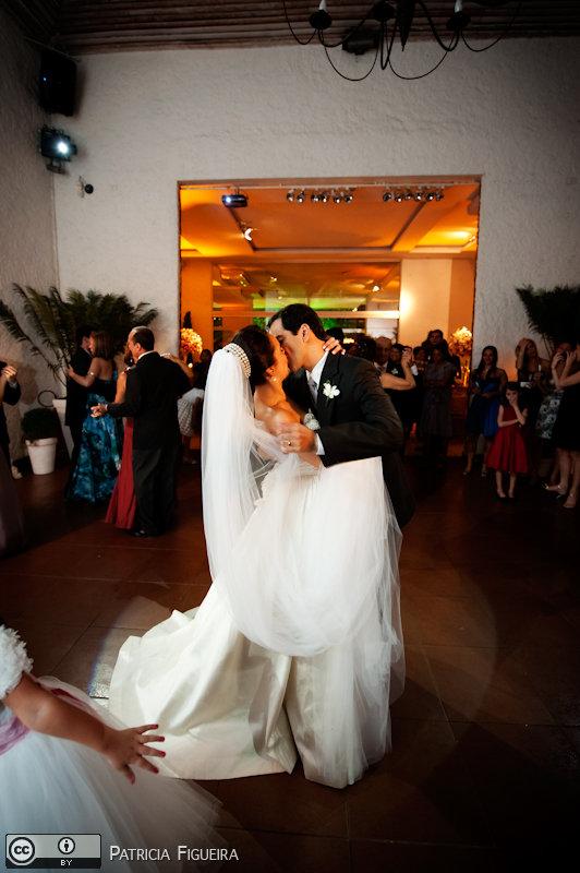 Foto de casamento 1750 de Nathalia e Fernando. Marcações: 04/12/2010, Casamento Nathalia e Fernando, Niteroi.