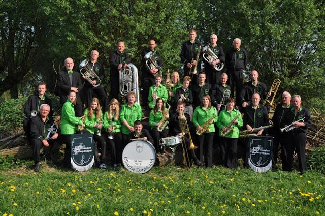 Ollandse dorpskapel 2011 - OllandseDorpskakel2011%2B%2528Medium%2529.jpg