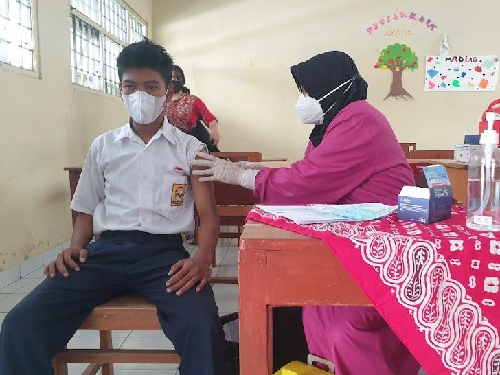 Percepat Kekebalan Komunal,  Pemuda Panca Marga dan Yayasan Veteran 2 Januari Vaksinasi Pelajar