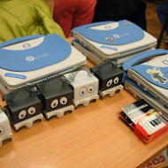 5_infante_robots_and_magalhes_laptops_2.JPG