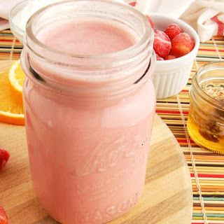 Stay Young Strawberry Smoothie.