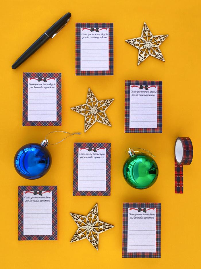 tarjetas de gratitud, agradecimiento, washi tape, cena nochebuena, Navidad, fiestas, almuerzo, brunch, adornos de madera, estrellas, bolas