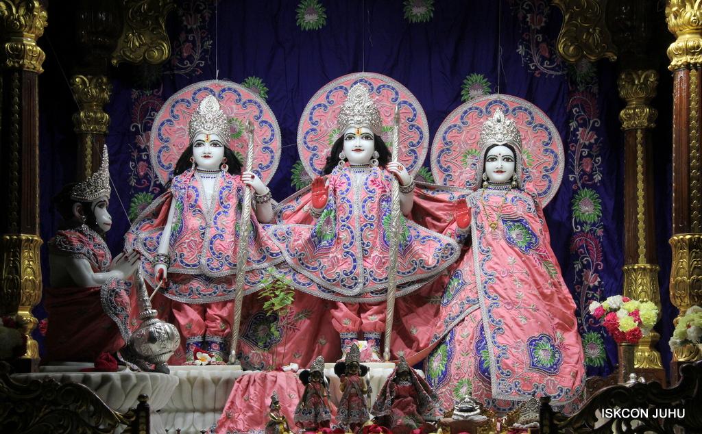 ISKCON Juhu Mangal Deity Darshan on 30th Sep 2016 (2)