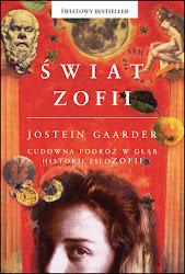 Jak to się stało, że powieść, którą norweski nauczyciel filozofii napisał dla swoich dzieci, stała się w ciągu roku bestsellerem, wydawanym w wielu krajach wszystkich kontynentów, zaś w ciągu miesiąca - książką czytaną przez młodzież i dorosłych w całej Polsce? Czy zdecydowała o tym tylko pasjonująca fabuła, pełna tajemnic i niespodzianek?