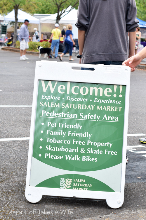 Farmers market salem sign