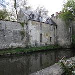 Château de Milly-la-Forêt : vue sur les douves depuis la Maison Jean Cocteau