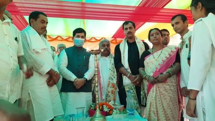 1.25 करोड़ की लागत से मिर्जापुर में वेणु शिल्प सामान्य सुविधा केंद्र का मंत्री ने किया उद्धघाटन