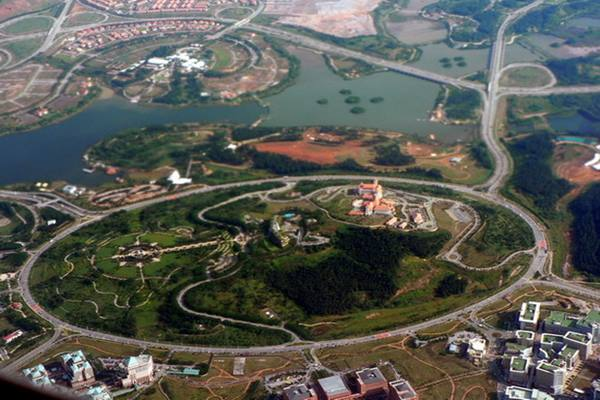 Roundabout Terbesar di Dunia.jpg