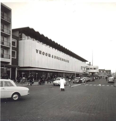 1970 Beatrixstraat jaren 70 met verkeers juut.jpg