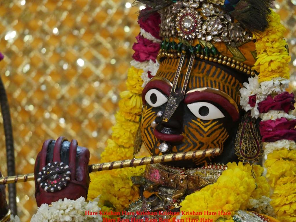 Radha Govind Devji Deity Darshan 28 Mar 2016 (4)