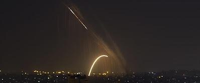 Kedd este: Izrael tűz alatt • Rakétazápor Tel Avivra és az ország központi részére