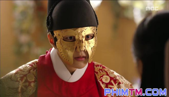 Đố kị với Kim So Hyun, nữ phụ Quân Chủ tự tay xẻo thịt mình - Ảnh 24.