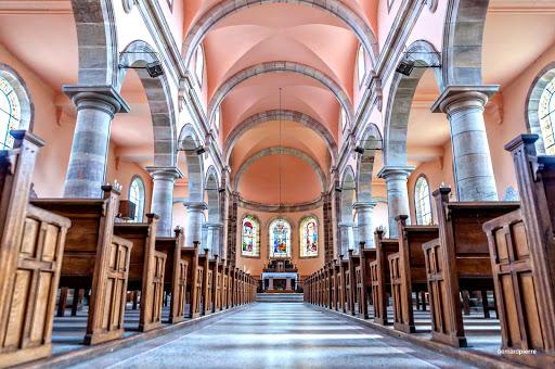 Intérieur de l'église de Sainte-Barbe