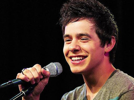 David Archuleta canta música do Tears For Fears em show