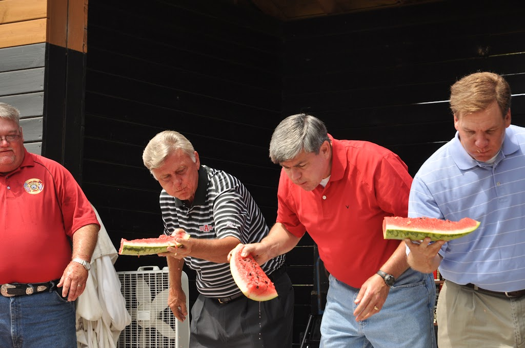 Politically Correct Watermelon Eating Contest 2011 - DSC_0222.JPG