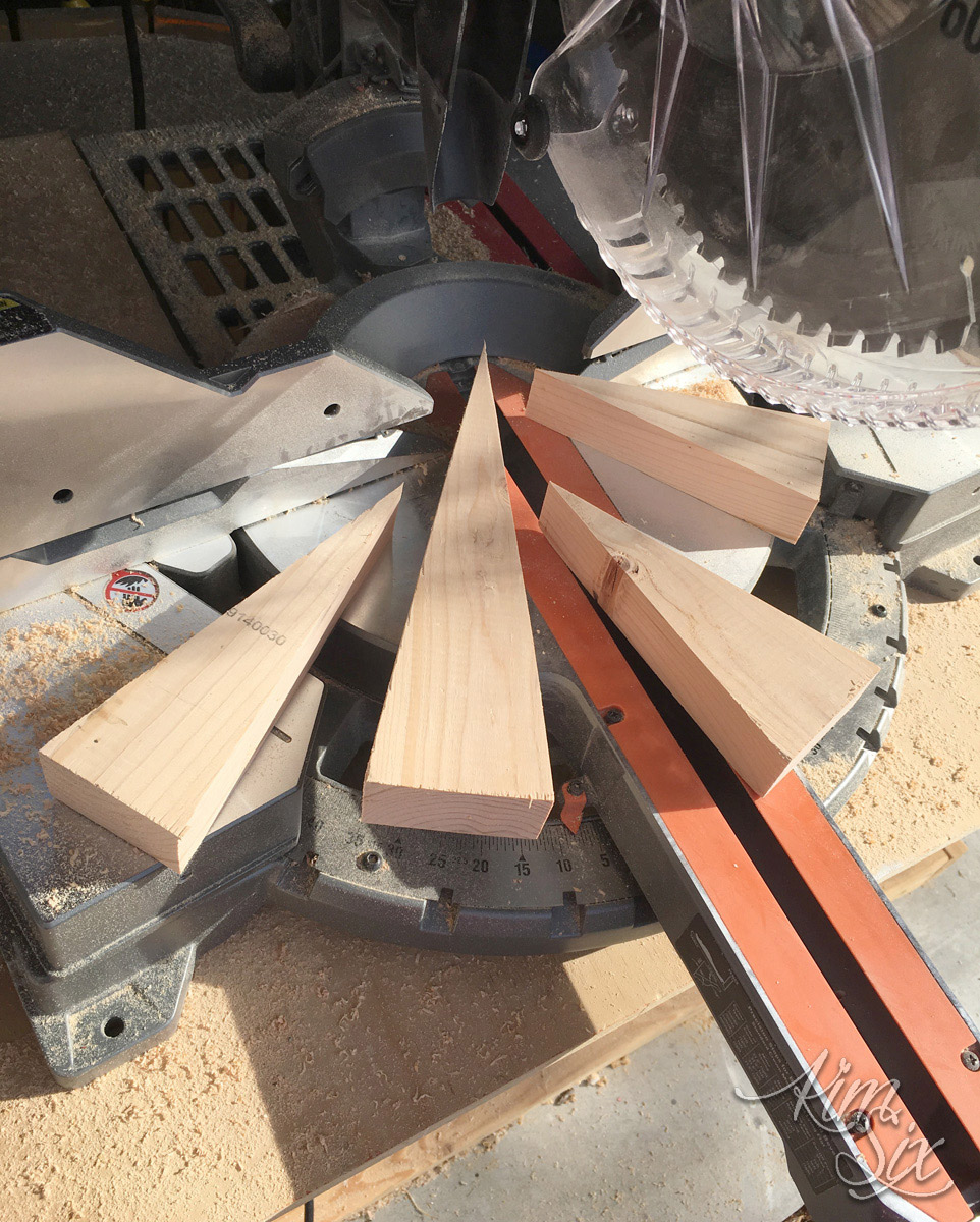 Cutting 2x4 angles on miter saw