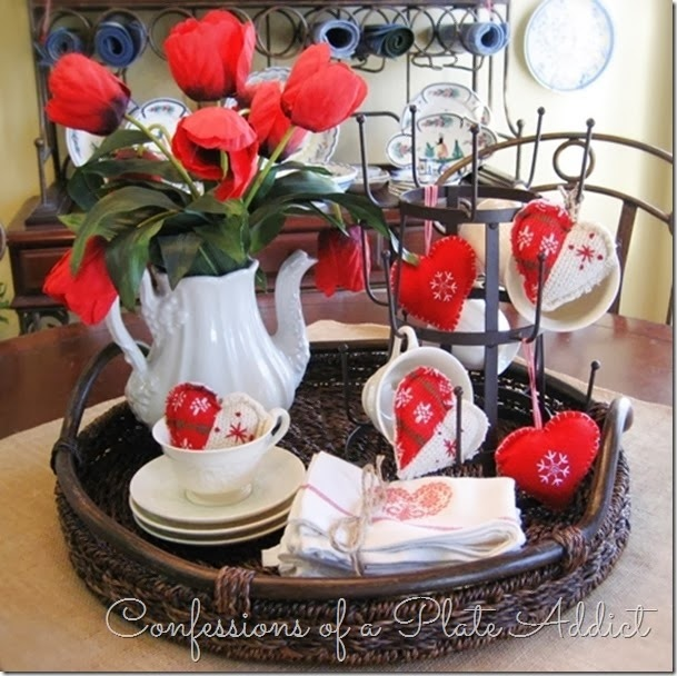 CONFESSIONS OF A PLATE ADDICT Valentine Centerpiece