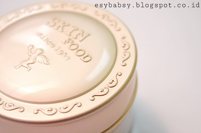 SKINFOOD-BUCKWHEAT-LOOSE-POWDER-SKIN-BEIGE-NO-21-REVIEW-ESYBABSY