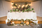 """Оформление стола молодых живыми цветами. Ресторан """"Good Wood"""""""