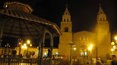 Photo: Iglesia y rotonda en la plaza de Puquio Nazca-Cusco en bici 30-Jun. al 07-Jul. (2012)