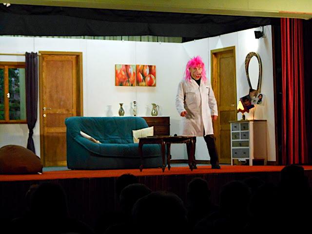 theatre 2012 - DSCN0590.JPG