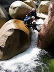L'eau à sculpté des passages extraordinaires, l'occasion de se laisser glisser.