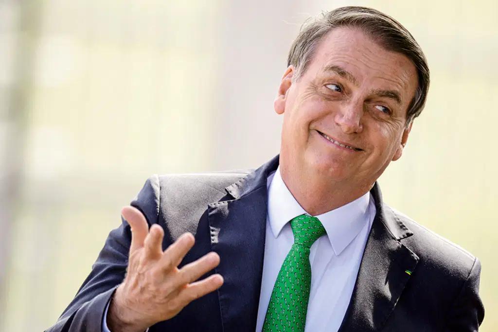"""""""Não sou Jesus do Flamengo, mas sou o Messias do Executivo"""", diz Bolsonaro no Rio"""