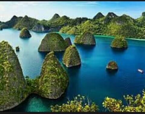 tempat wisata populer raja ampat papua