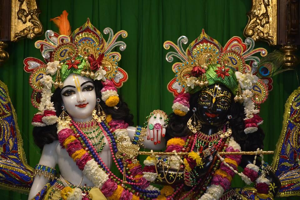 ISKCON Ujjain Deity Darshan 30 Mar 2016  (2)