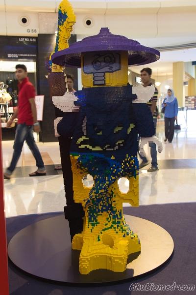 karektor jahat ghoultar ninjago dibina dari blok lego
