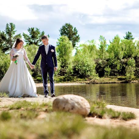 Wedding photographer Mari Nikulina (Hrisofemida). Photo of 23.09.2017