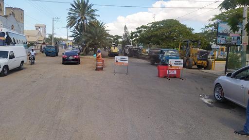 Comunicador denuncia conductor del transporte pasajeros Villa Vásquez Montecristi lo tumbó con envío.