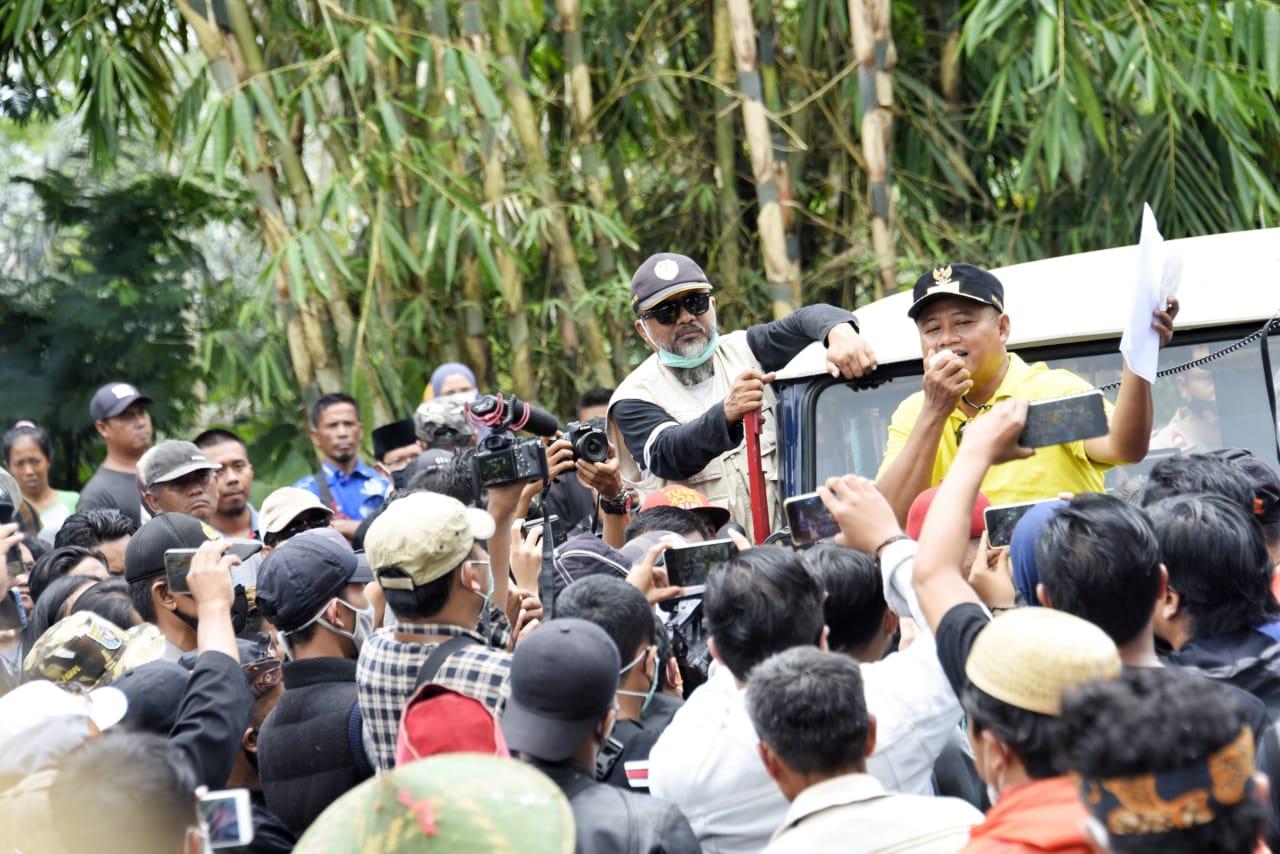 Uu Ruzhanul Ulum meninjau pertambangan di Desa Padakembang