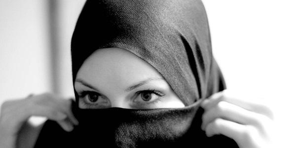 Inilah 13 Sikap Wanita Yang Membuatkan Lelaki Cair.jpg