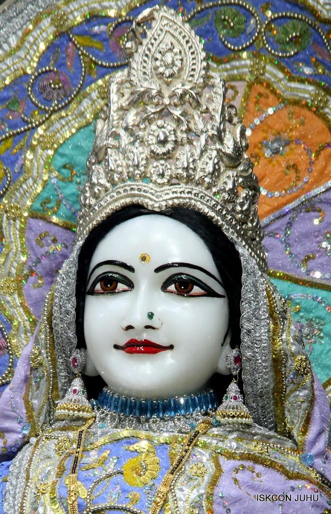 ISKCON Juhu Mangal Deity Darshan on 29th April 2016  (11)