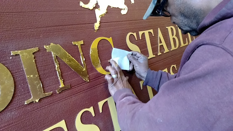 gold leaf community entrance sign - riding stable estates
