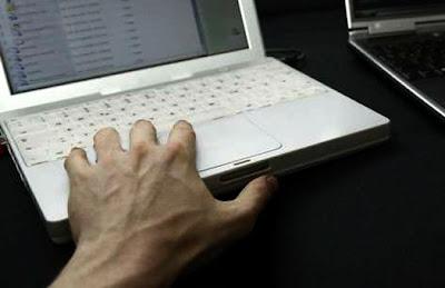 В Интернете обнаружили сеть торгующую опасными ботами