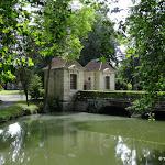 Parc des Capucins : pavillons des gardes de l'ancien château de Coulommiers