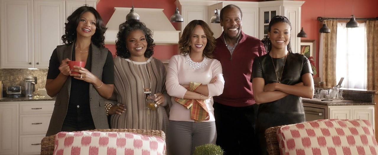 (L to R) Cheryl (Kimberly Elise), Aunt May (Mo'nique), Sonya (Nicole Ari Parker), Walter (Danny Glover) and Rachel (Gabrielle Union) in ALMOST CHRISTMAS. (Photo courtesy of Universal Pictures).