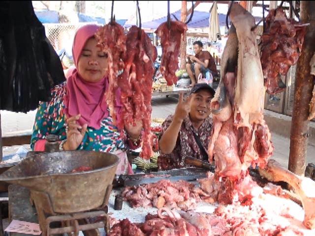 Harga Daging Sapi di Jombang Terus Melonjak, Omzet Pedagang Turun 50%