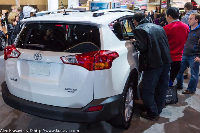 Народ атакует Toyota RAV4