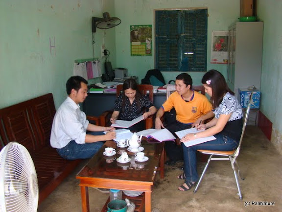 Dau Ngoc Cong (left), PanNature's EE Program Assistant, is working with local teachers in Yen Dinh commune in the buffer zone of the nature reserve.